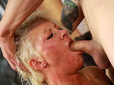 Ruby Octroi Deep Throat
